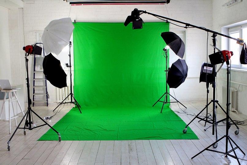 Как использовать хромакей для замены фона видео - видеосъемка