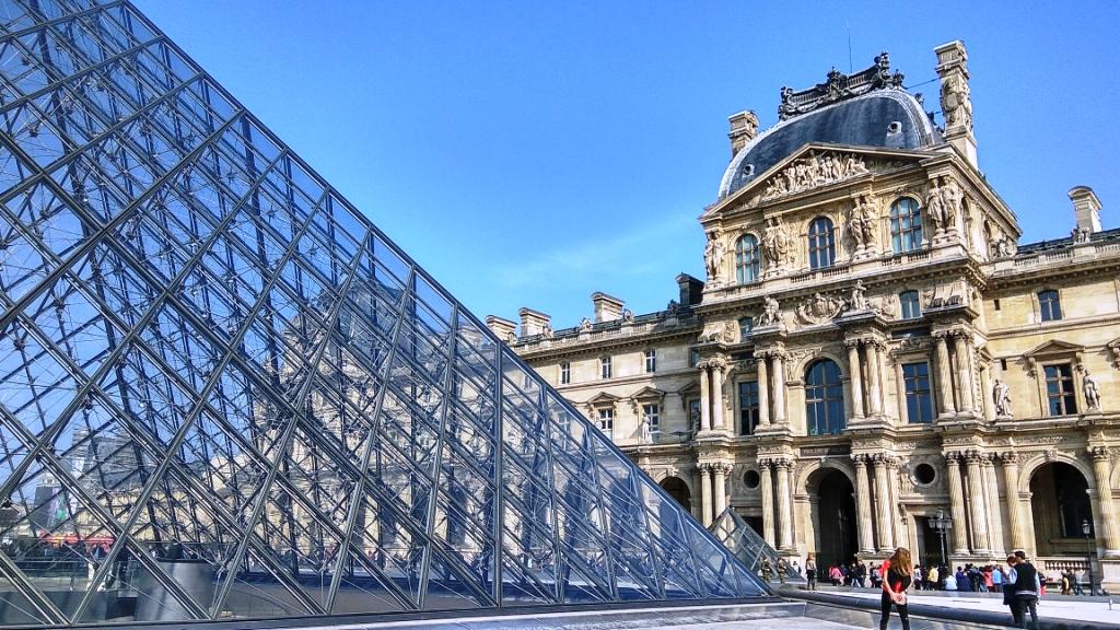 Лувр — сокровищница мировой истории