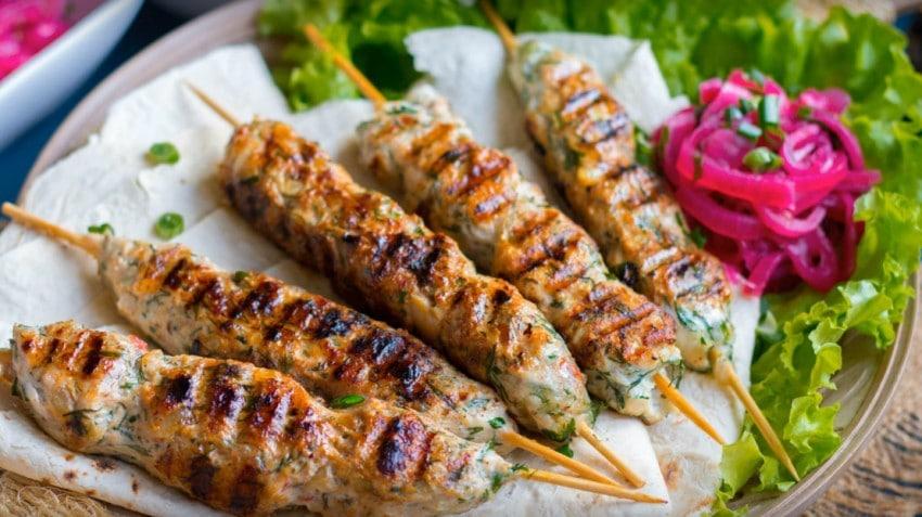 Люля кебаб из свинины: описание блюда, ингредиенты, пошаговый рецепт приготовления, фото