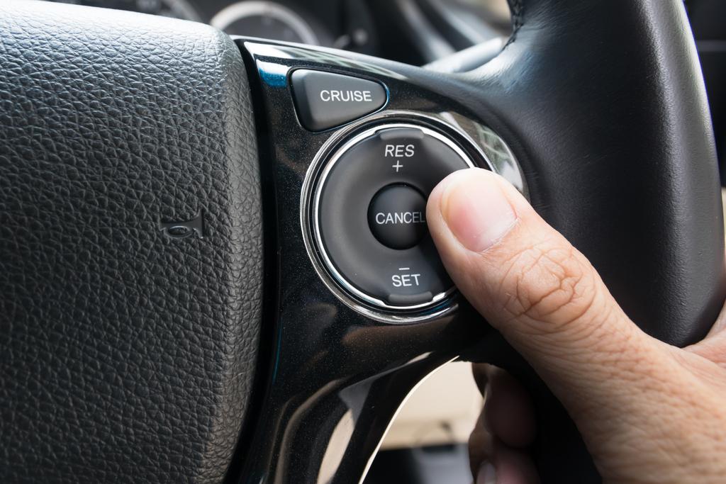 Что такое круиз контроль в автомобиле: как работает на механике и автомате, как пользоваться, что такое адаптивный кк » автоноватор