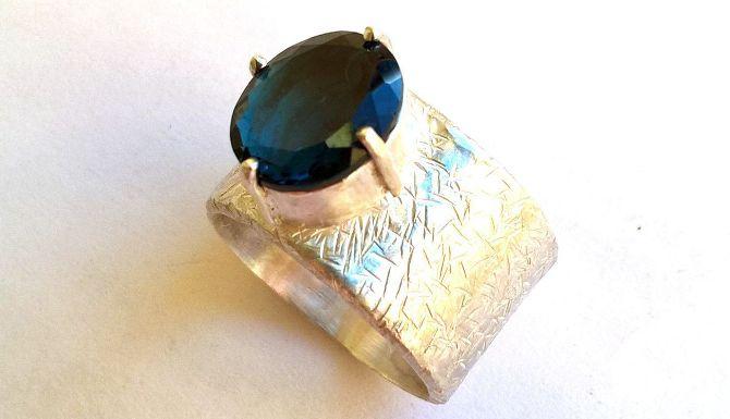 Камень топаз свойства, кому подходит по знаку зодиака