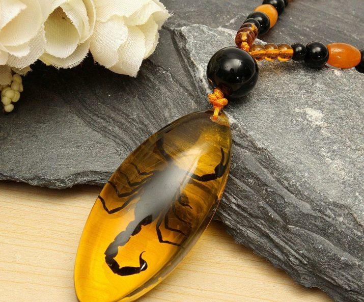Камень янтарь. свойства янтаря. отличить от подделки.