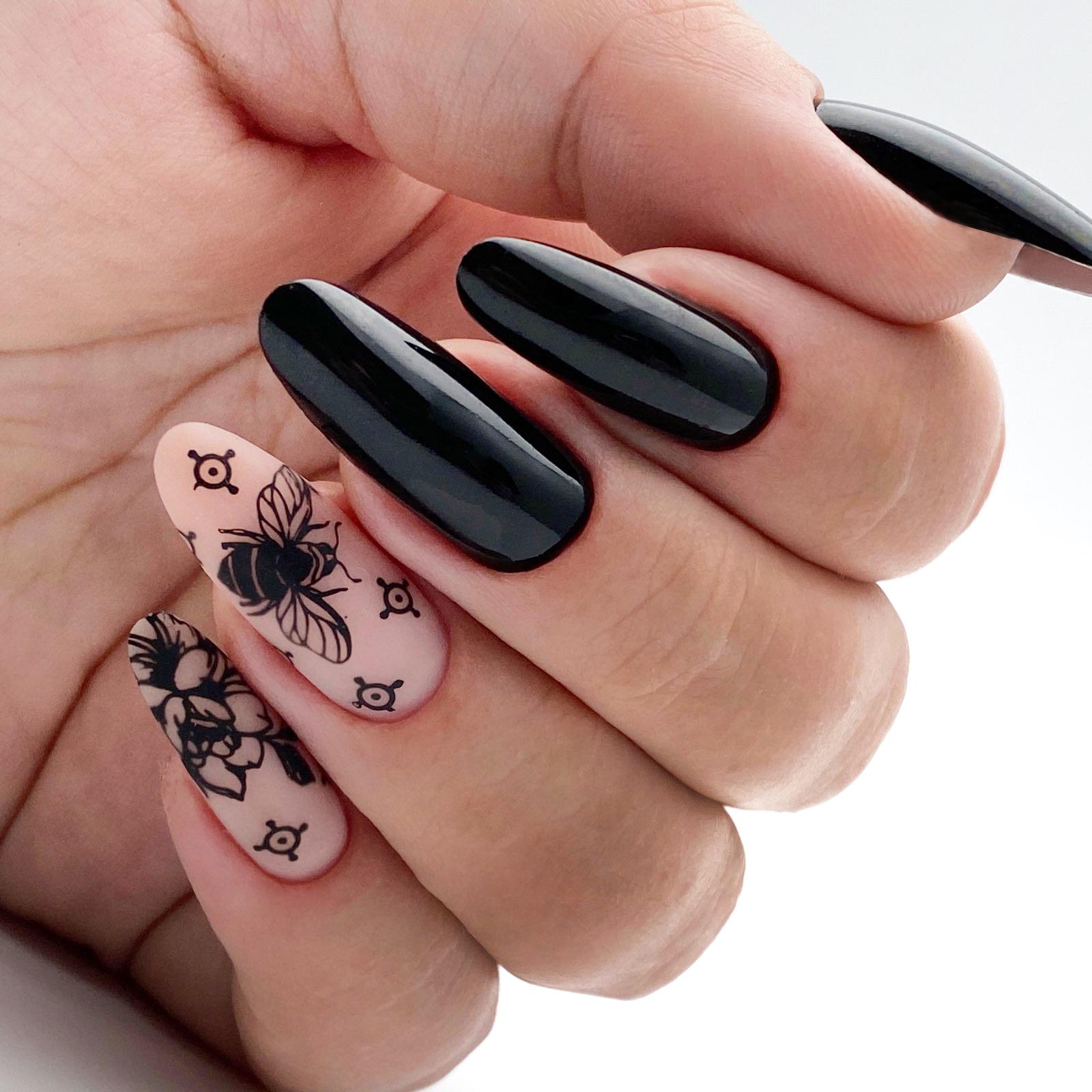 Стемпинг для ногтей: что это такое и как им правильно пользоваться?