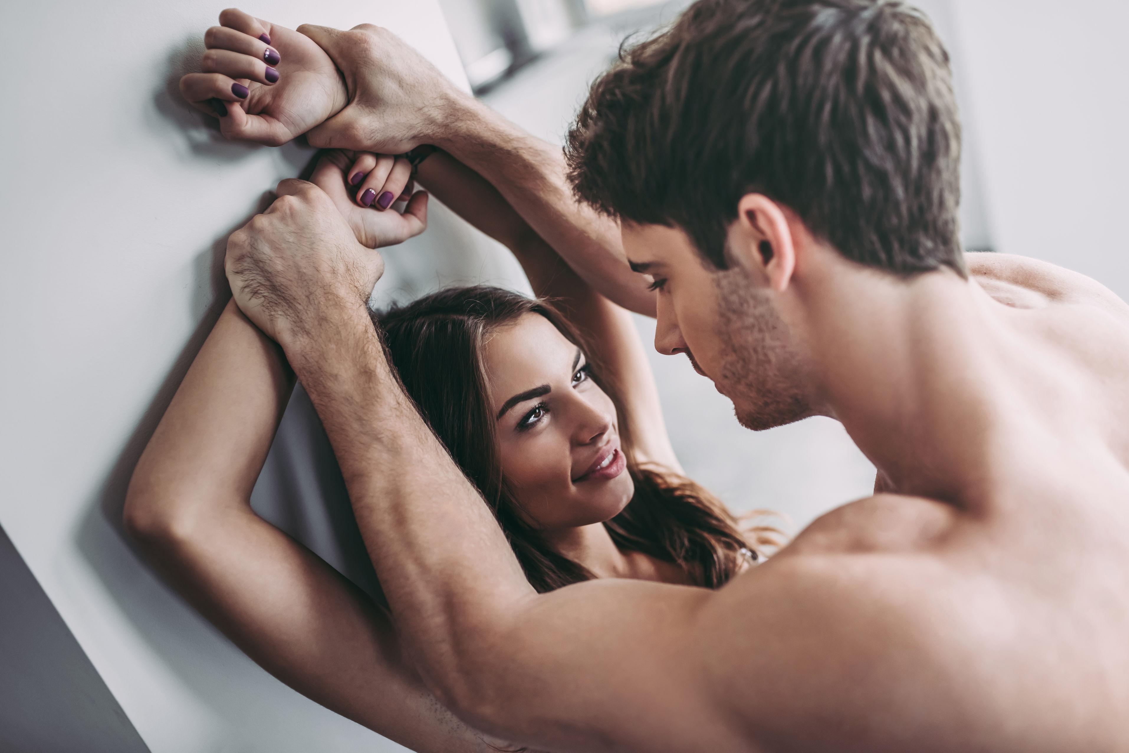 Какой секс делает нас счастливыми (ипочему после него иногда грустно) — нож