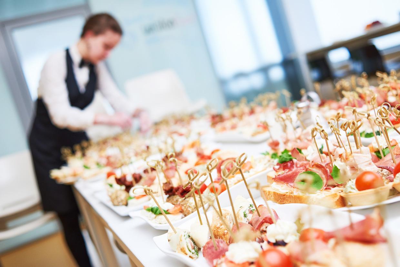 Что такое кейтеринг простыми словами? виды выездного ресторанного обслуживания. кейтеринговые услуги