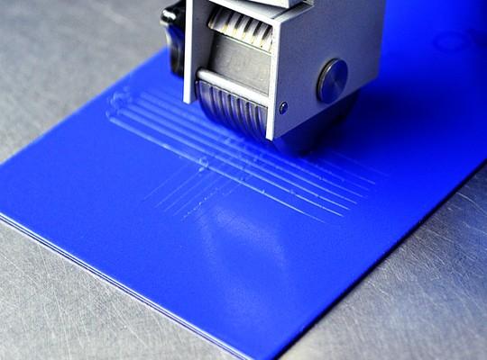 Как применять универсальную матовую и глянцевую акриловую эмаль на водной основе