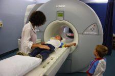 Магнитно-резонансная томография (мрт) головного мозга – с контрастом и без, что показывает, подготовка и проведение исследования, сколько длится процедура, нормы, расшифровка результатов, цена, где сделать. мрт сосудов головного мозга