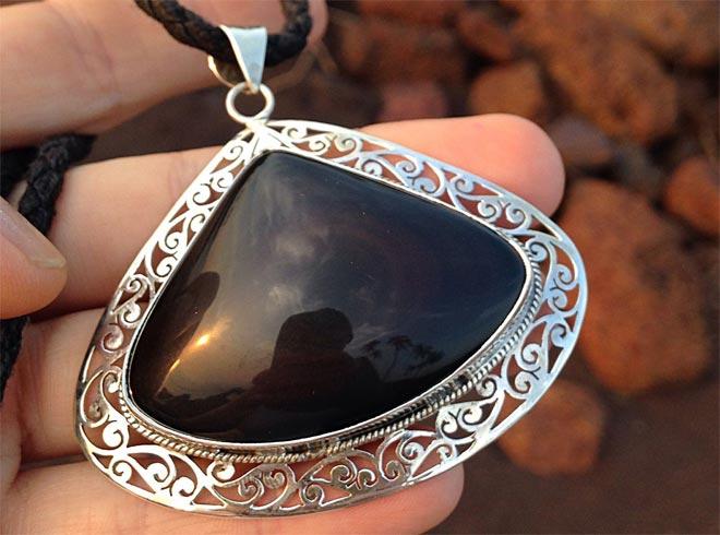 Чёрный обсидиан: магические и лечебные свойства камня, кому подходит, знаки зодиака