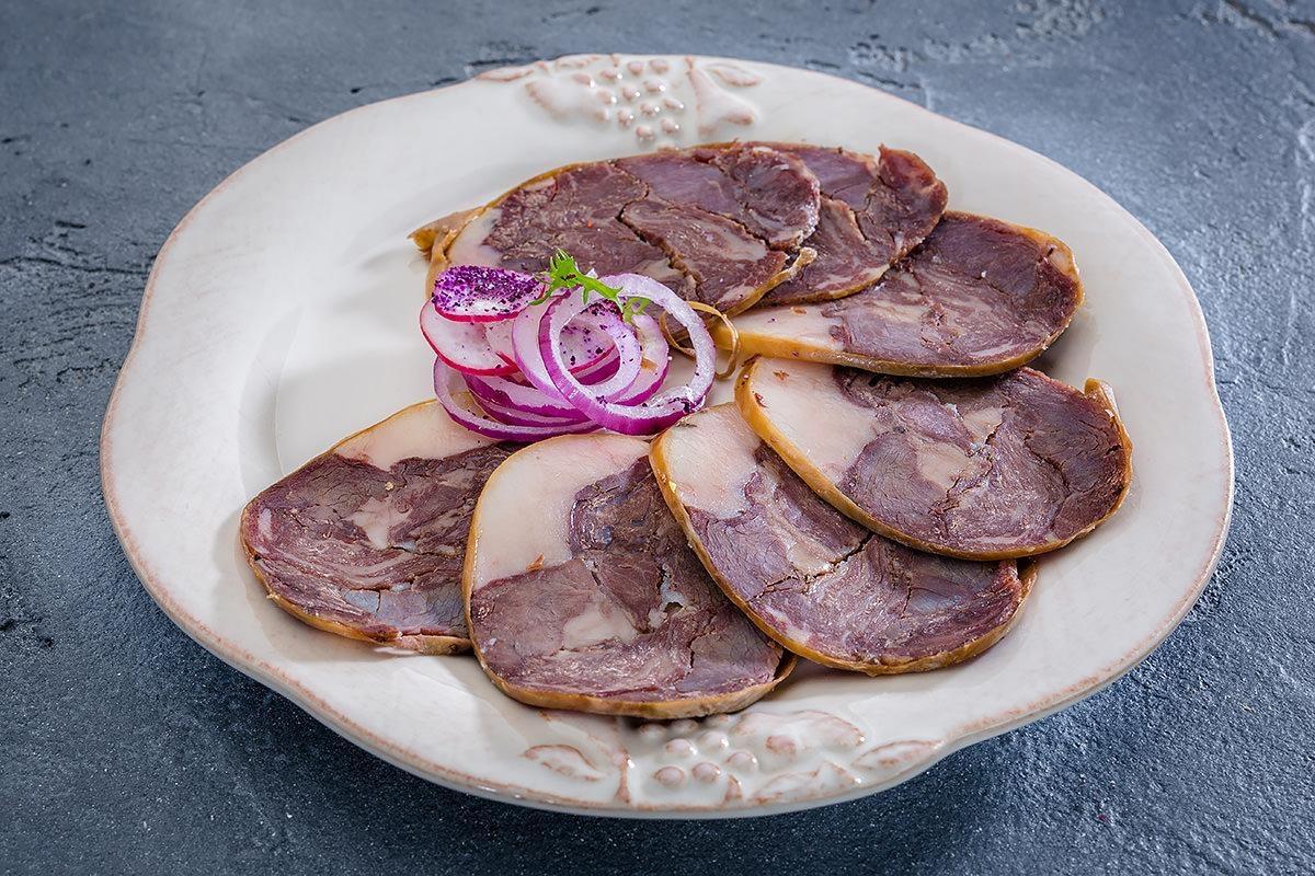 Деликатес из конины: конская колбаса, виды, рецепт, цена, отзывы