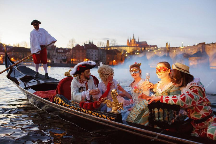 Гондолы в венеции: сколько стоит покататься, фото, гондольеры, история