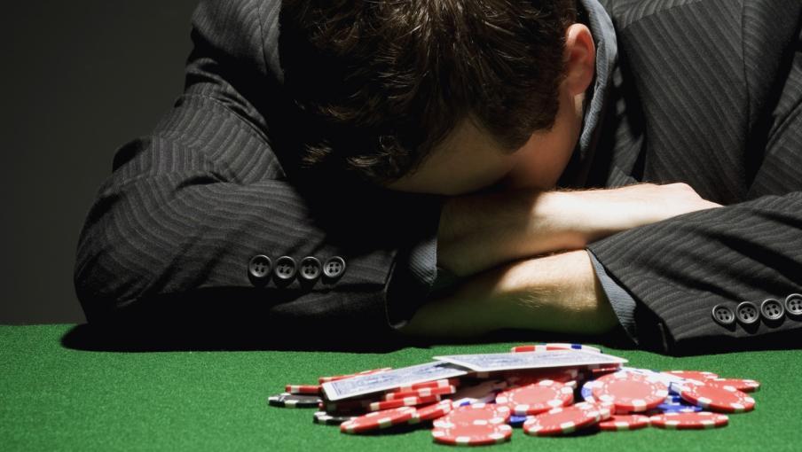 Лудомания: понятие, какие бывают виды и стадии игровой зависимости, как избавиться от патологии.