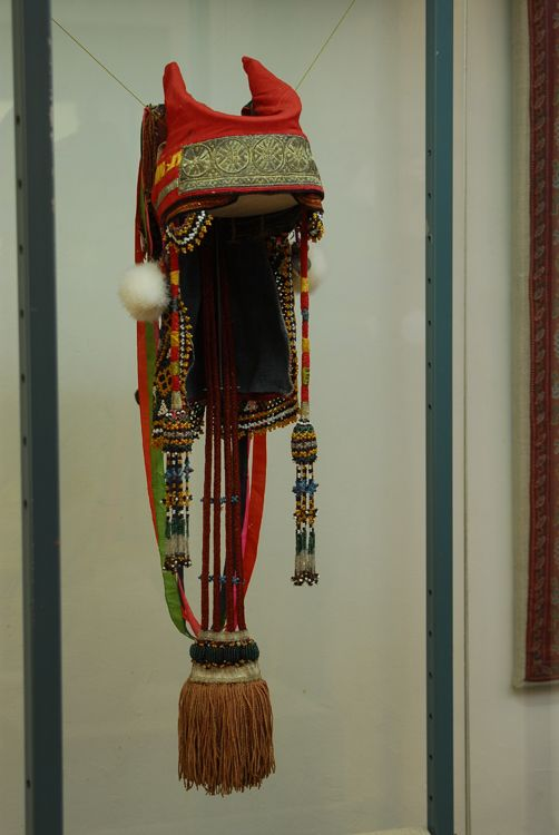 Кика (кичка) — древнерусский женский головной убор