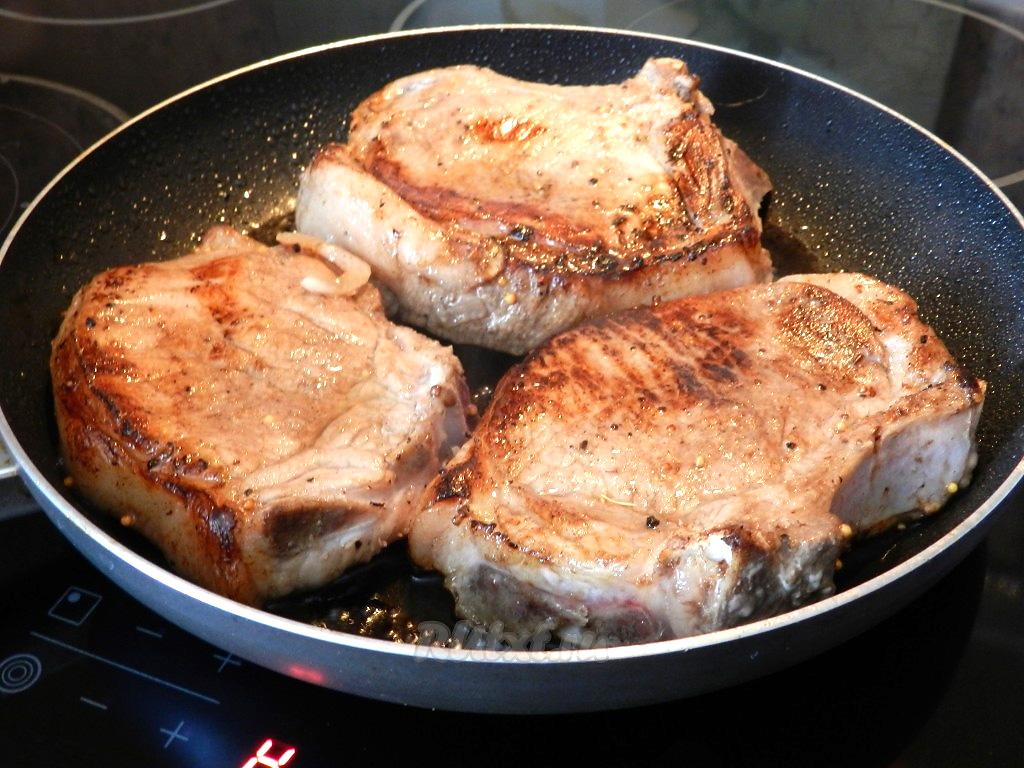 Как приготовить вкусный антрекот из говядины или свинины на сковороде — рецепты | вокруг нас