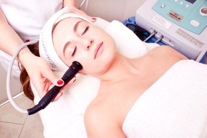 Современное лазерное омоложение лица: как остановить старение кожи?