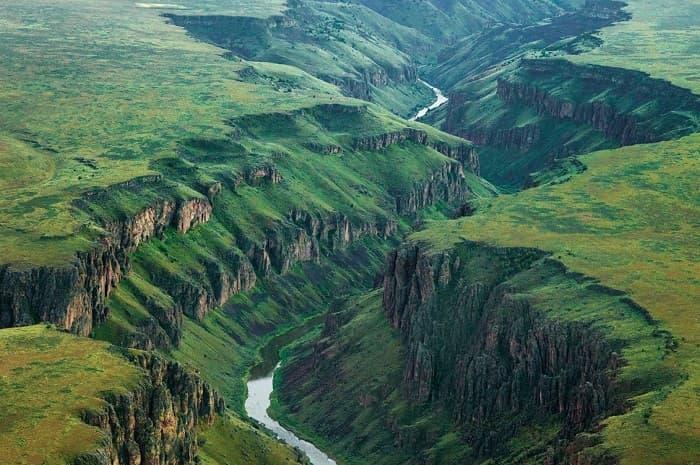 Строение речных долин: особенности и разновидности