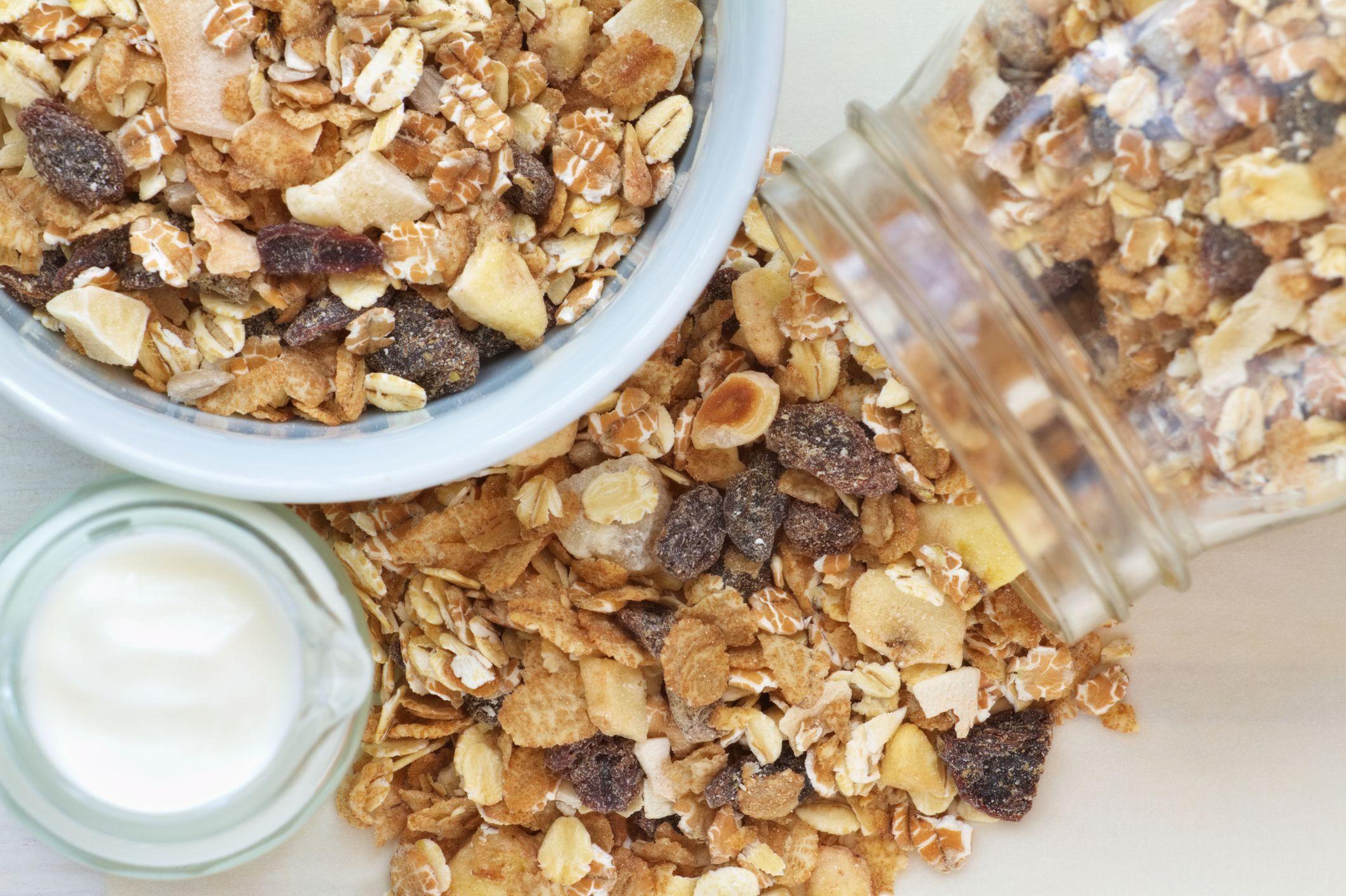 Гранола – полезные свойства и секреты приготовления полезного завтрака