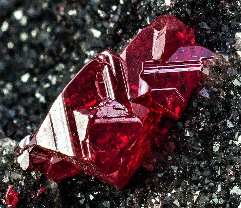 Что такое киноварь - фото, описание, свойства минерала, применение, месторождения