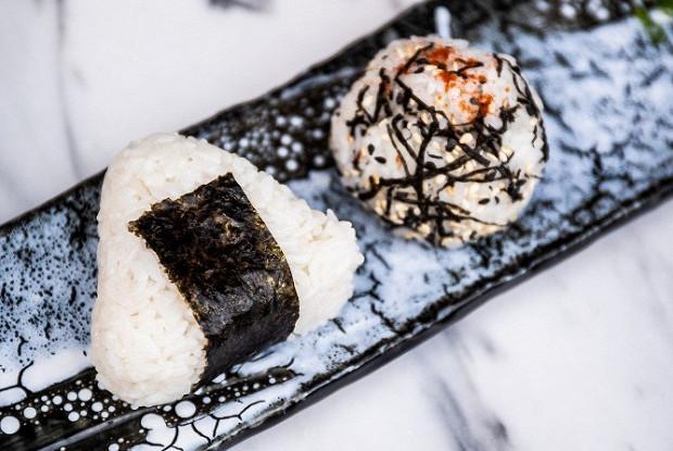 Как приготовить онигири (с разной начинкой) | блог 闇のバラ。