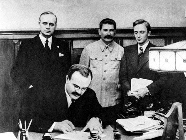 Пакт молотова-риббентропа кратко суть секретного протокола, плюсы и минусы подписания советско-германского договора о ненападении