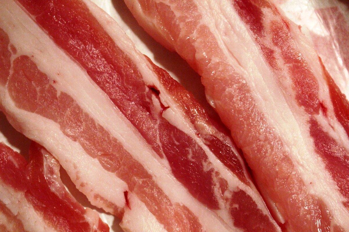 Из какого мяса делается бекон – что такое беконная свинина?