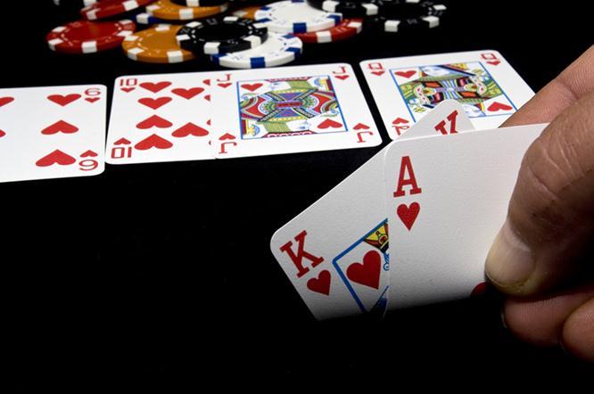 Стрит в покере – все варианты комбинации, что это такое
