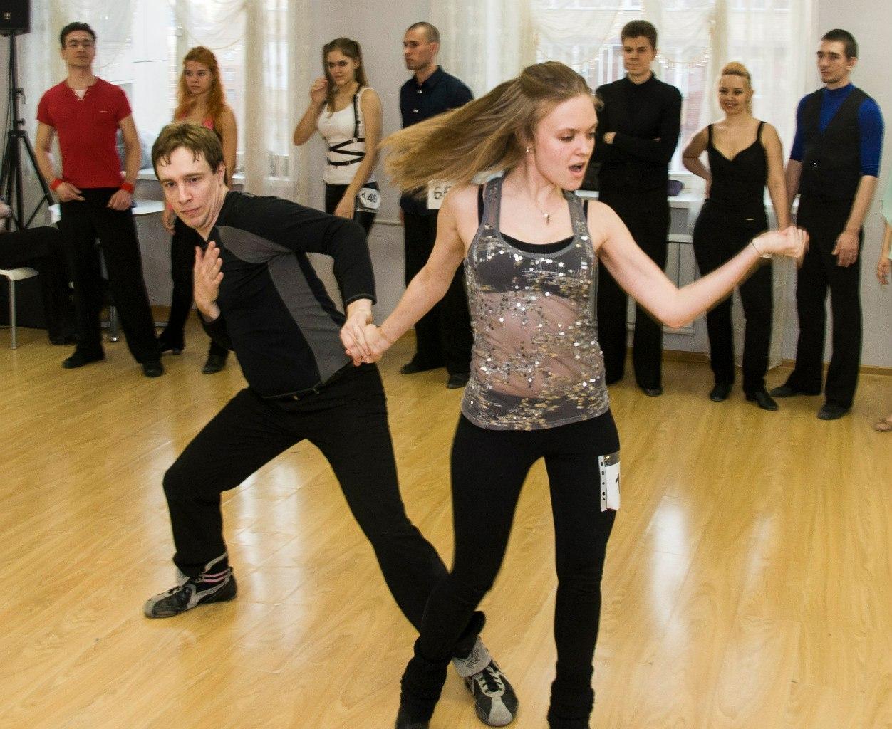 Что такое хастл, где научиться танцевать хастл и сколько это стоит в москве
