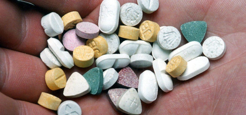 Фольга и другие признаки, и инструменты употребления наркотиков - наркологическая клиника maavar.