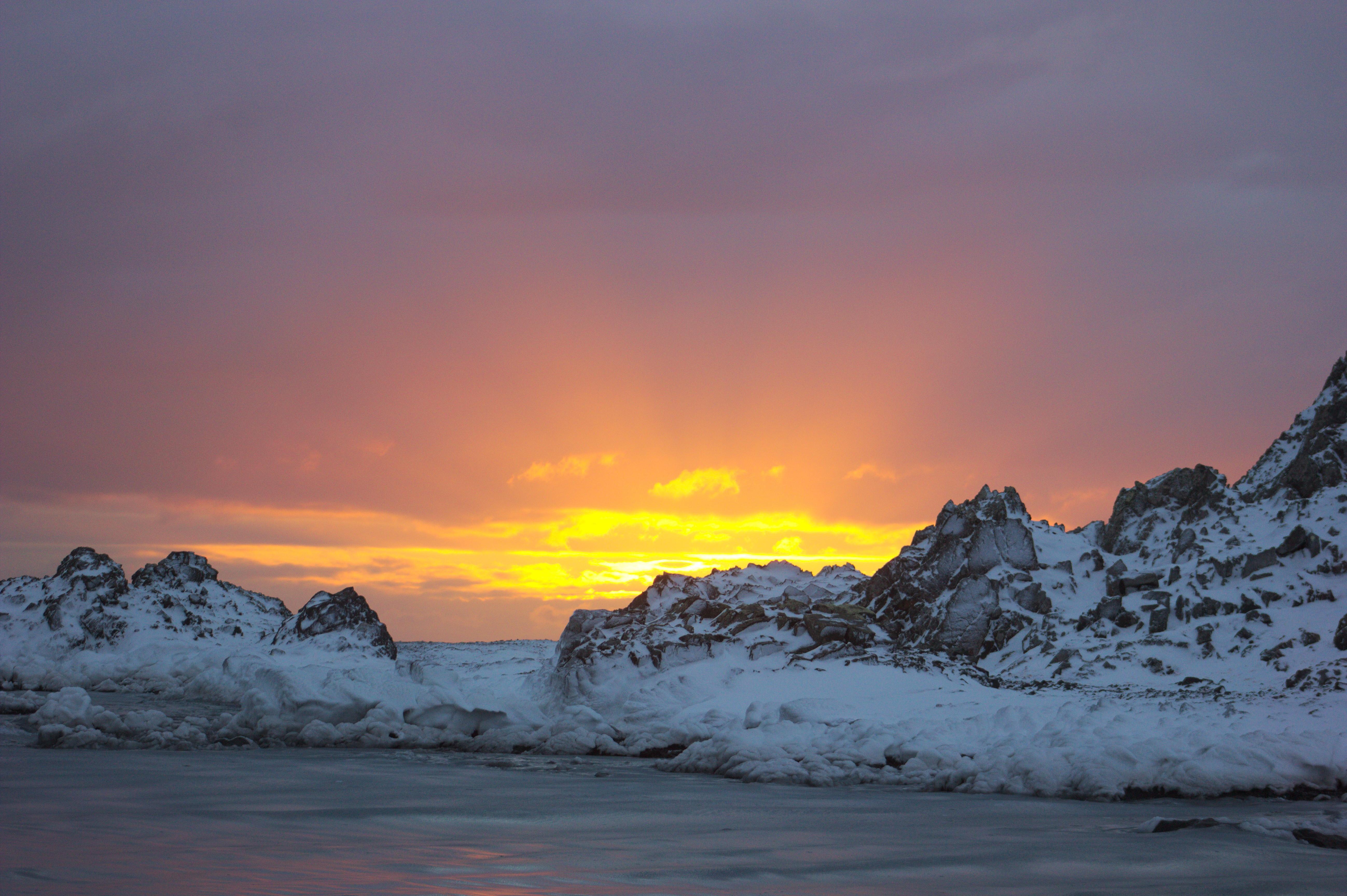 Как долго длится полярный день на северном полюсе?. 3333 каверзных вопроса и ответа