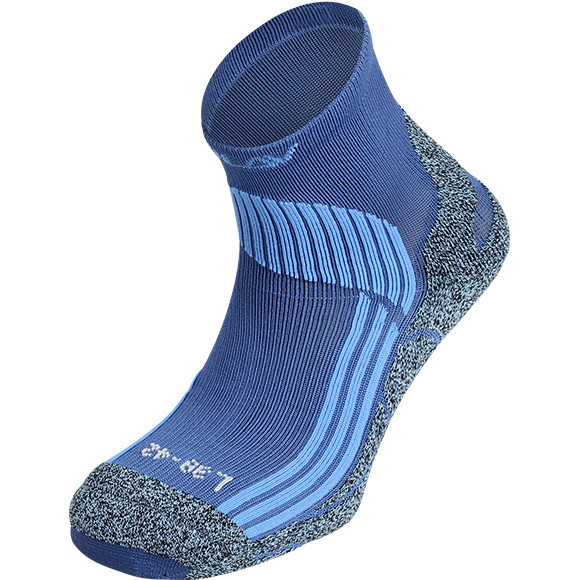 Медицинские носки: что это такое, в каких случаях носят