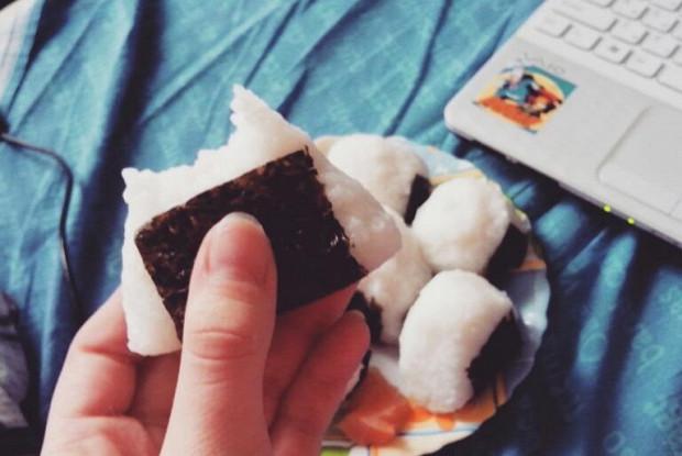 Как готовить вкусные онигири: правила, ингредиенты, рецепты