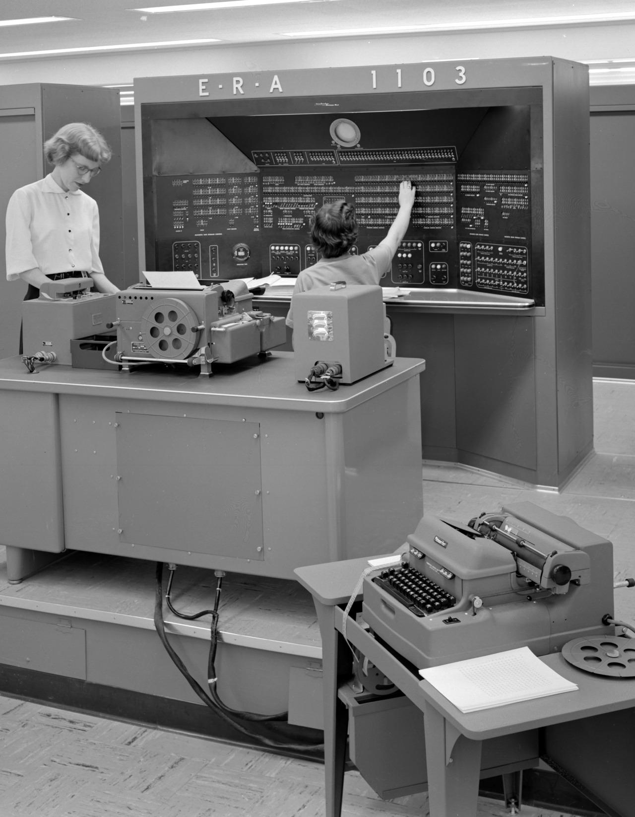 Забытый день рождения эвм.  4 декабря 1948 года в ссср была подана заявка на изобретение цифровой электронно-вычислительной машины