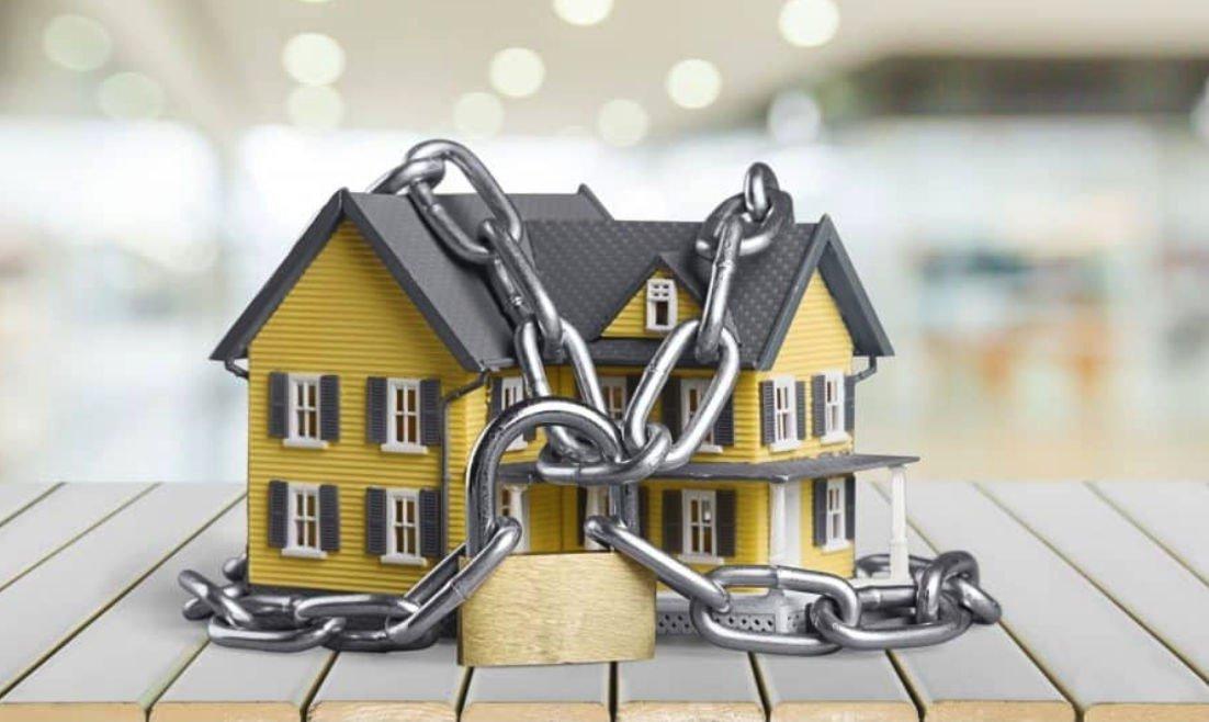 Сомнительная покупка: что значит квартира с обременением и стоит ли ее приобретать?