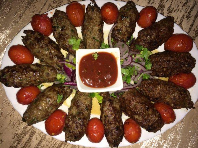 Как приготовить вкусный люля-кебаб на природе и дома - лайфхакер