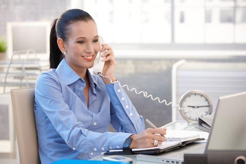 Холодные звонки. техники продаж по телефону. самое полное руководство по обзвону и продажам