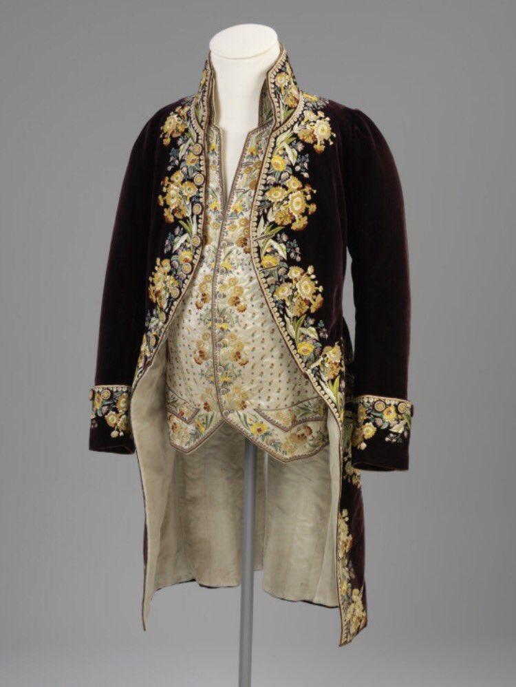 Камзол - это мужская одежда xix века, которая отлично смотриться в женском гардеробе