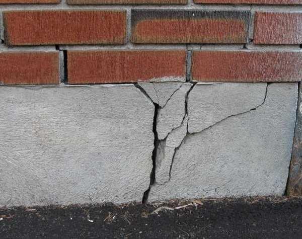 Шурф фундамента: зачем и как исследуют фундаменты строители, кладоискатели и любители истории