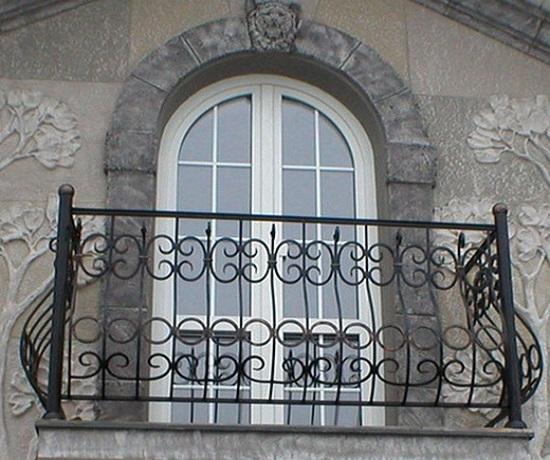 Что такое французский балкон: разбираемся во всех подробностях