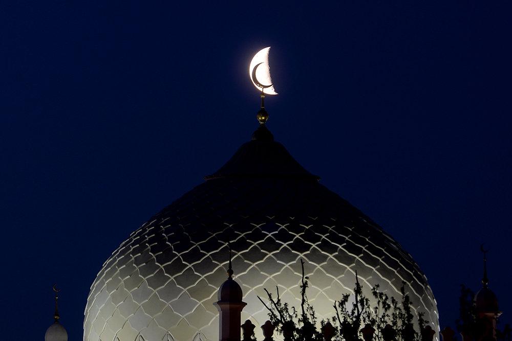 Суть ураза байрам, пост ураза у мусульман: фард и суннат.. особенности соблюдения поста в месяц рамадан. правила соблюдения поста и запреты в рамадан, а также об особенностях празднования ураза-байрам.