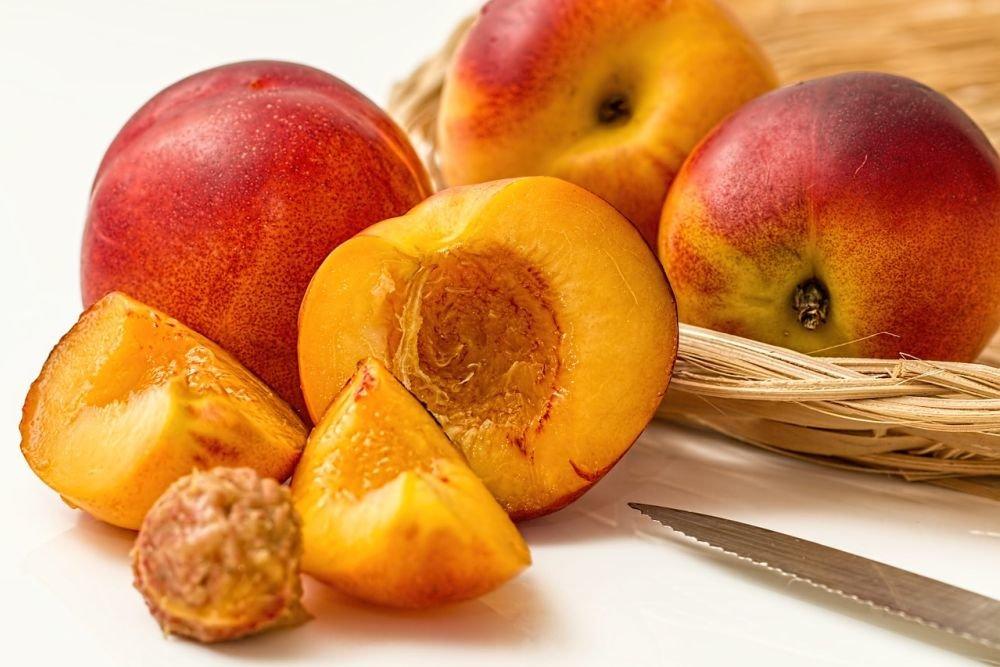 Персики: полезные свойства ярких плодов и их целебная сила