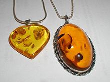 Камень янтарь: магические свойства, фото, кому подходит по знаку зодиака, цена
