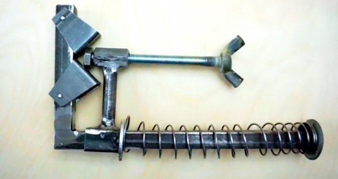 Быстрозажимные струбцины (36 фото): конструкция рычажных столярных струбцин, прижимные металлические f-образные инструменты для сварки 300 мм и другие