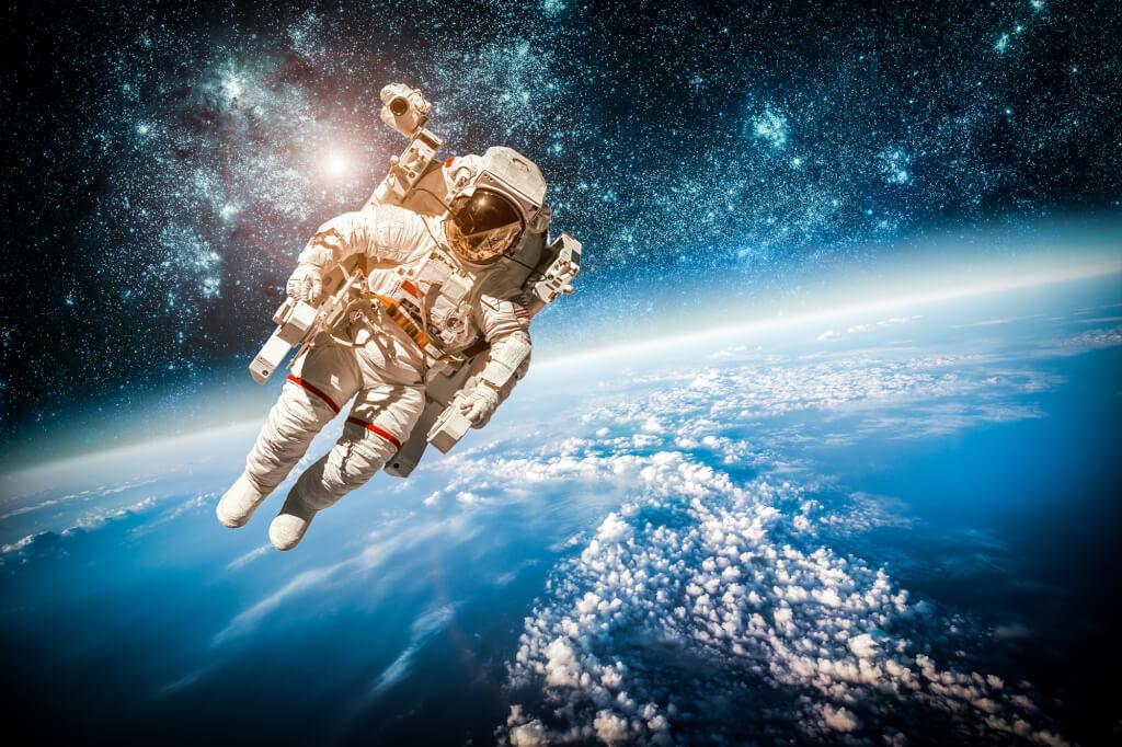 Как будут выглядеть космические скафандры в будущем