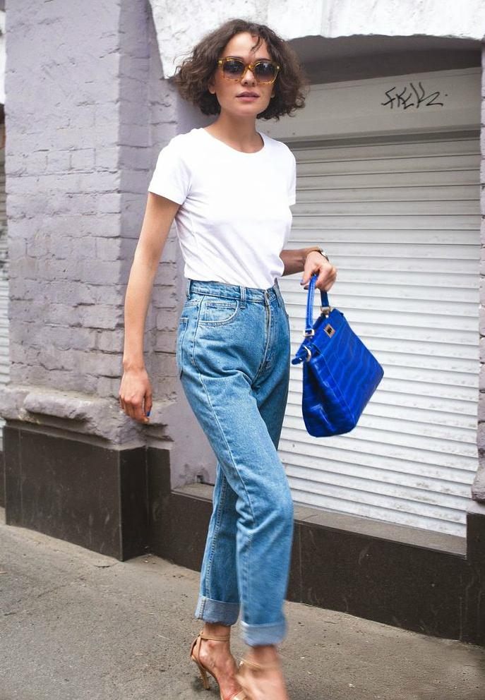 Mom jeans – с чем носить осенью и зимой