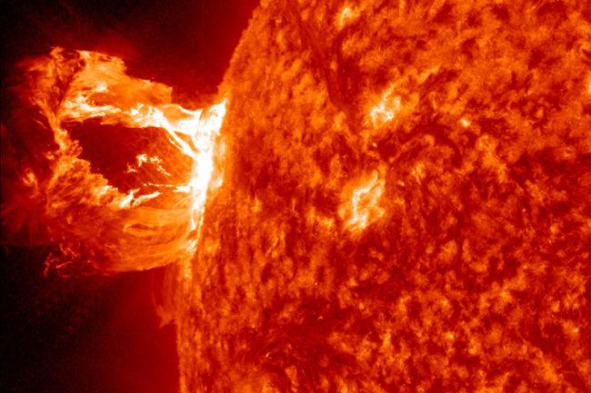 Солнечные пятна. вспышки на солнце. что происходит с солнцем