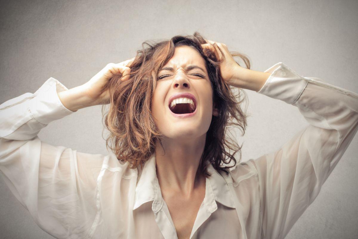 Гнев что это такое как объяснить и как он проявляется? это болезнь!
