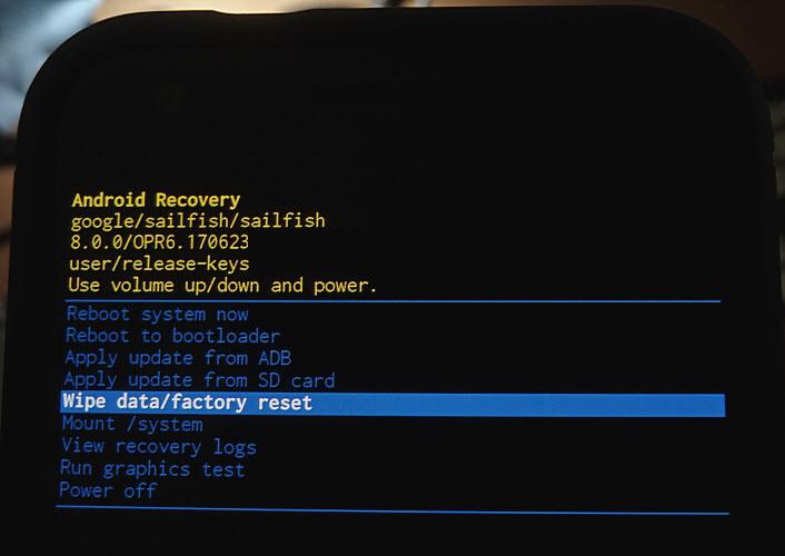 """Не могу выбрать пункт """"wipe data/factory reset"""", не срабатывает сенсорная кнопка. как быть? (сенсор рабочий) - помощь по системе android: база вопросов и ответов."""