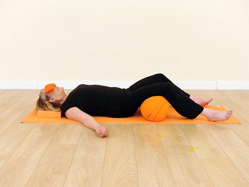 Практика йога-нидры: польза и техника выполнения