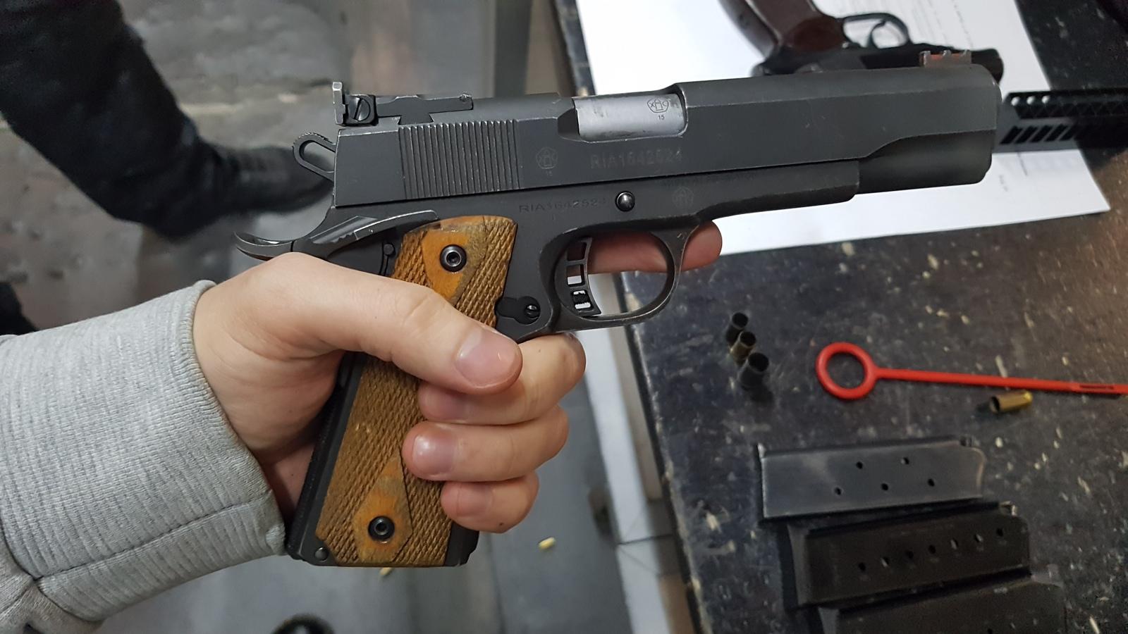 Что такое газовый пистолет - классификация, виды боеприпасов, эффективность