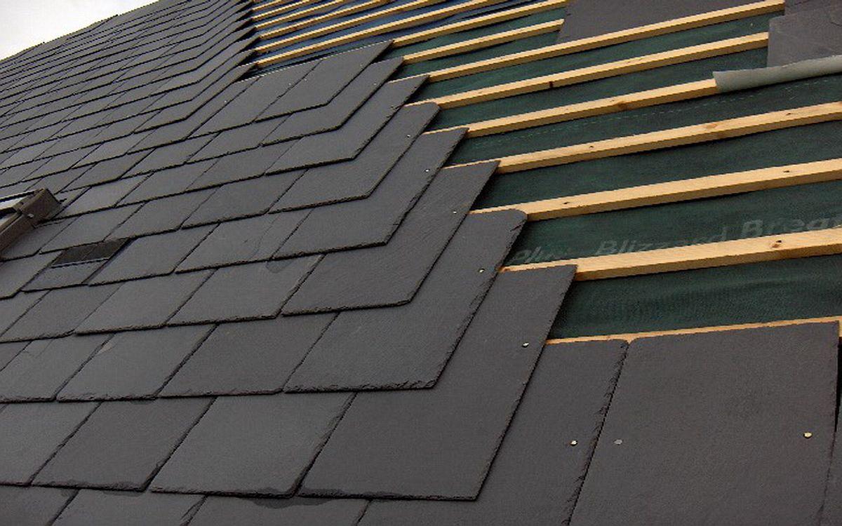 На что обратить внимание прежде, чем решить купить шифер для крыши и от чего зависит цена
