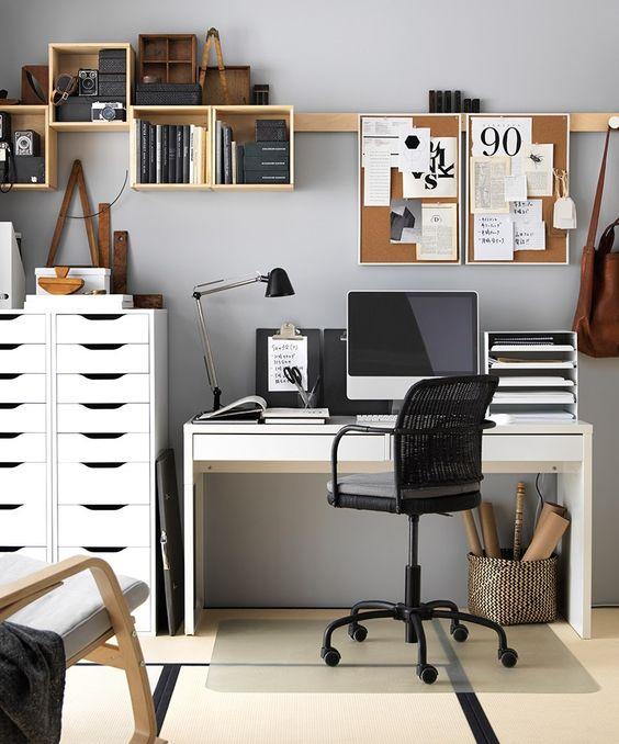 Чем различаются «место работы» и «рабочее место»: комментарий согласно тк рф